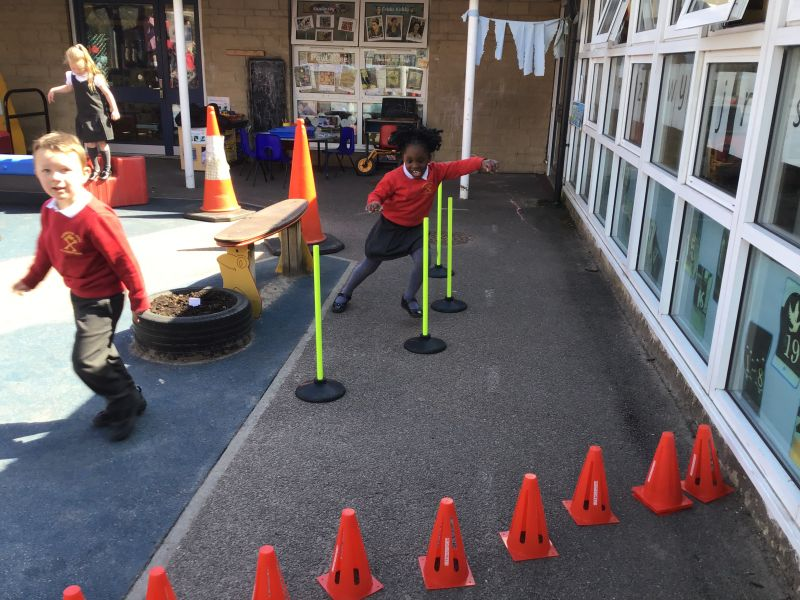 THE SHINING STARS DEMONSTRATE THEIR 'CAN-DO' ATTITUDE AS THEY NAVIGATE THE OUTDOOR OBSTACLE COURSE!